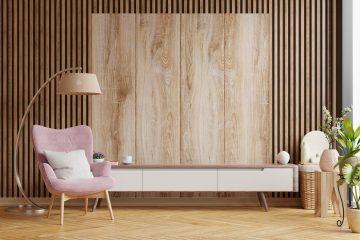 drewno na ścianie w salonie