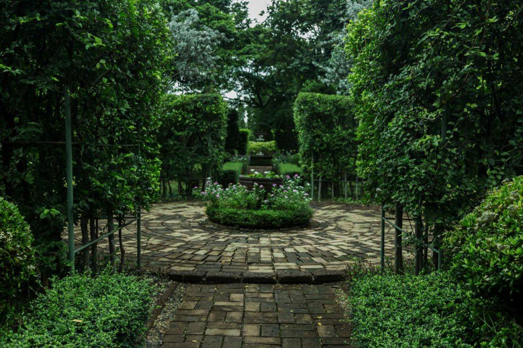ogród w stylu agielskim