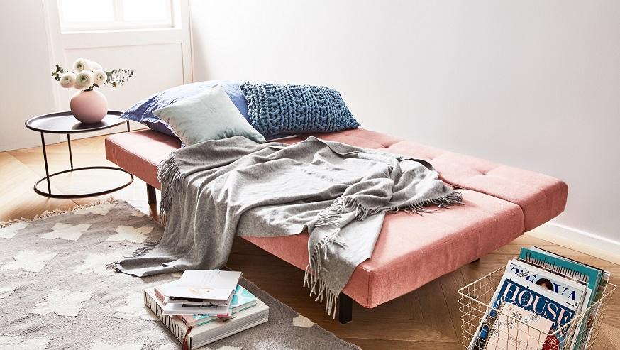 rozłożona sofa